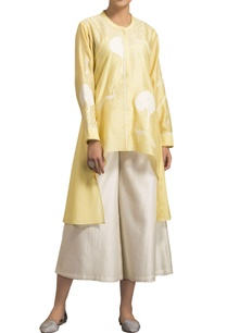 yellow-chanderi-tree-embroidered-asymmetric-blouse