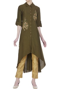 flower-embroidered-collar-tunic