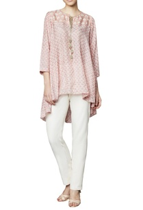 blush-modal-blouse