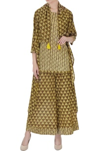 olive-green-ajrakh-printed-pure-cotton-cape-set
