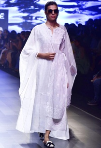 white-chikankari-applique-kurta-with-kamdani-pajamas-dupatta