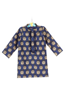 blue-buddha-printed-kurta-with-embossed-buttons