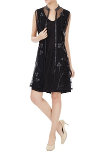 black-tulle-net-applique-work-sleeveless-jacket