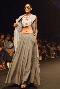 black-white-striped-flared-lehenga-with-embroidered-pockets