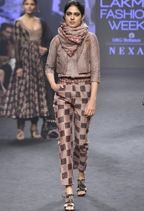 pink-black-chanderi-silk-printed-top-with-pants-short-jacket