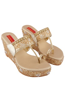 gold-gota-embroidered-pearl-4-5-inch-wedges