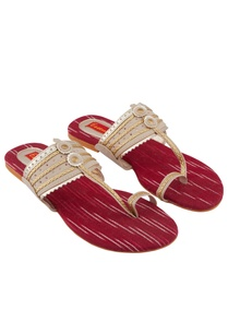 beige-red-kolhapuri-sandals