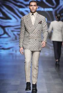 beige-matka-silk-kantha-waistcoat