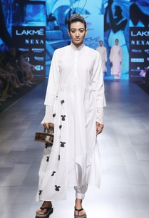 white-cotton-mulmul-cambric-embroidered-kurta