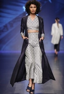grey-crop-top-flared-trousers-with-long-blue-jacket