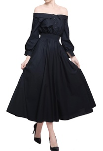 black-blended-cotton-off-shoulder-midi-dress
