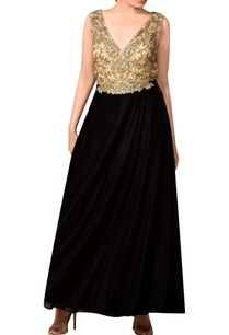 black-gold-velvet-flared-gown