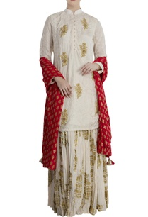 ivory-red-silk-crepe-heritage-fish-lehenga-with-blouse-dupatta