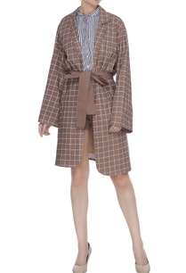 brown-organic-poplin-chequered-jacket-with-belt-button