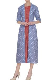 red-sleeveless-midi-dress-with-polka-dot-jacket