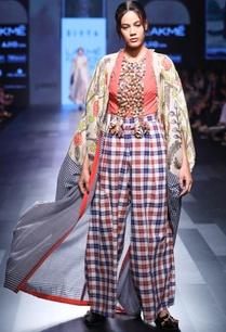 white-hand-spun-hand-woven-khadi-hand-painted-cape