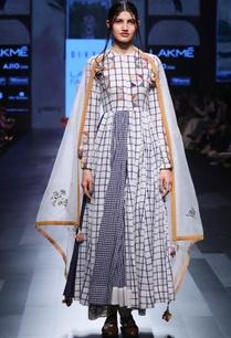 white-hand-spun-hand-woven-khadi-chequered-kurta-with-palazzos