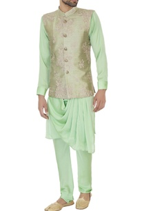 light-green-raw-silk-zari-embroidered-bundi