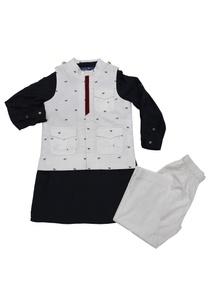 white-navy-bue-horse-print-bandi-with-kurta-pyjama