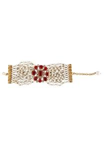 white-red-alloy-flat-bracelet-with-cheedmoti