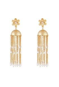 gold-white-alloy-floral-earring-with-tassels