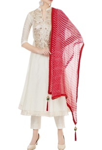 off-white-chanderi-gota-embroidered-kurta-leheriya-dupatta