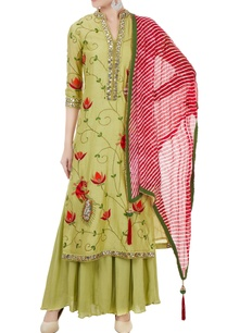 green-chanderi-thread-mirror-work-kurta