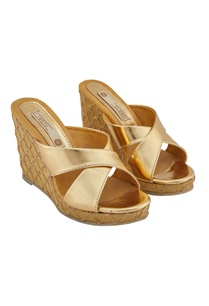 gold-synthetic-embroidered-wedges