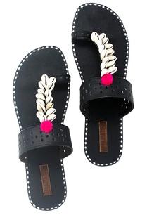 black-shell-work-kolapuri-sandals