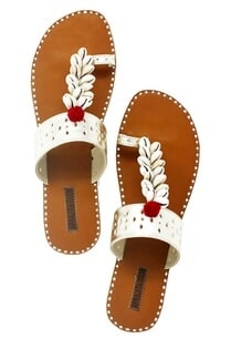 silver-shell-work-embellished-kolhapuri-sandals