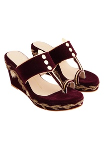maroon-velvet-genuine-leather-sole-hand-embroidered-wedges