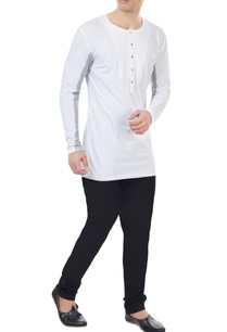 white-jersery-color-blocked-sleeves-t-shirt
