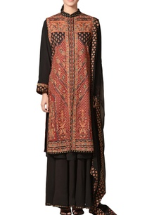 burgundy-black-hand-block-printed-kurta-with-palazzos-dupatta