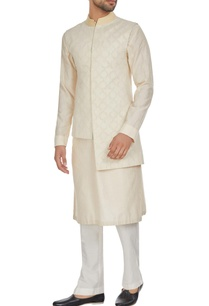 ivory-chanderi-textured-high-low-bandhi-jacket