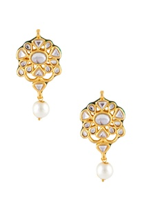pearl-tiered-necklace-with-earrings