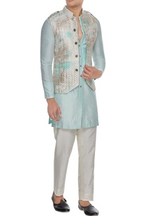 off-white-aqua-blue-tie-dye-metallic-quilted-bundi-with-kurta