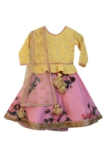 pink-floral-printed-lehenga-with-yellow-embroidered-blouse-dupatta