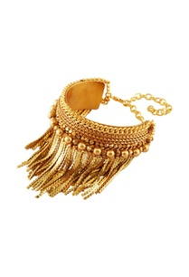 gold-plated-tassel-detail-bracelet