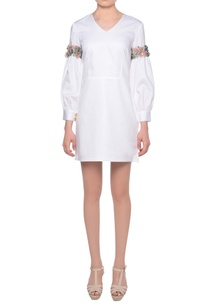 white-glazed-cotton-short-dress-with-bishop-sleeves