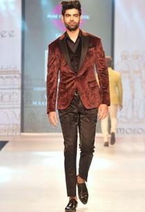 maroon-black-printed-velvet-tuxedo