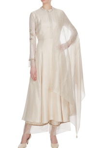 beige-kardhana-embroidered-kurta-with-palazzos-dupatta
