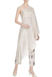 beige-thread-embroidered-pearl-one-shoulder-silk-kurta-with-printed-cigarette-pants