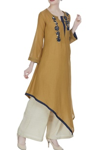 asymmetric-hemline-tunic-with-hand-embroidery