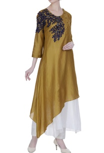 side-button-placket-tunic-with-floral-embroidery