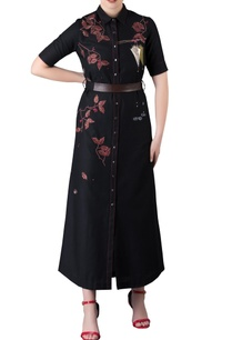 black-leaf-umbrella-motif-long-shirt-dress-with-leather-belt