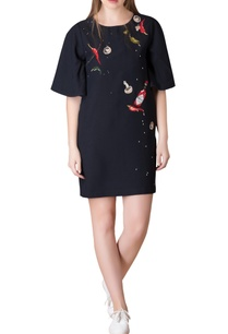 black-t-shirt-dress-in-chilly-embroidered-motifs