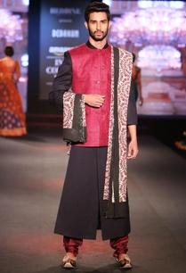 black-solid-sherwani-with-dual-shade-pure-matka-silk-jacket-maroon-silk-churidar-printed-dupatta