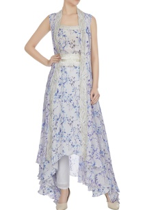 lilac-printed-overlay-cape-with-floral-printed-kurta-pants-belt