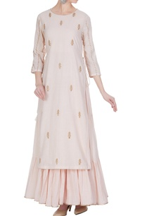 embroidered-kurta-with-tiered-pleated-inner