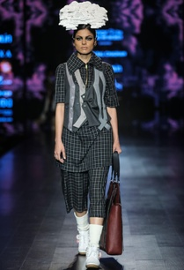 black-egyptian-cotton-chequered-tunic-with-crop-pants-grey-poly-cotton-waist-coat